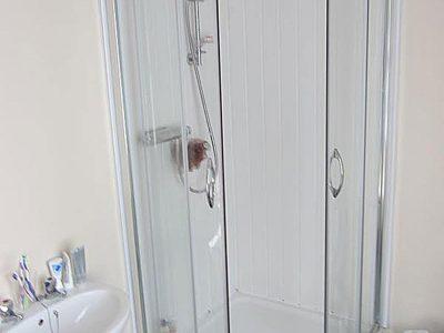 121 Sid Bathroom