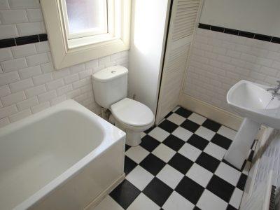 107 Sidney Bathroom