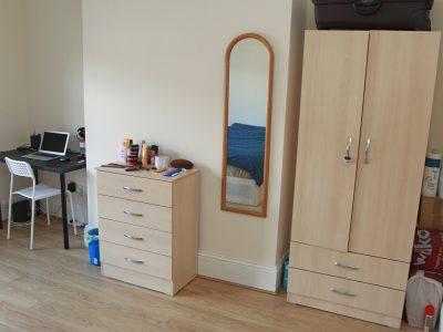 300 Stan Bedroom 1
