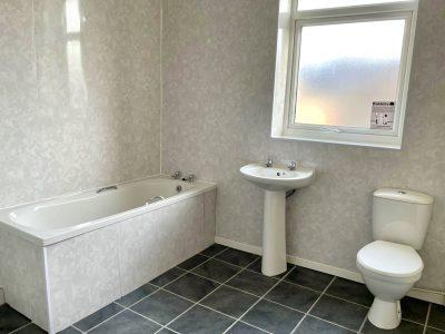 5 Gbro Bathroom