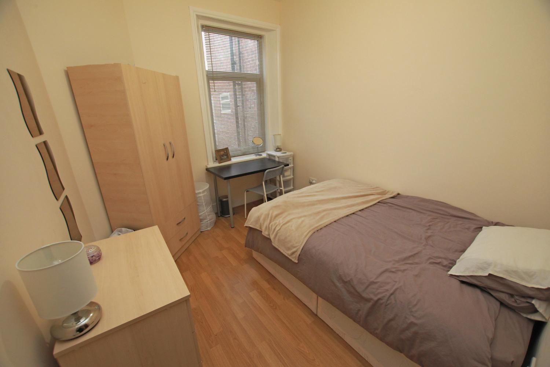 132 Stanton bedroom 2