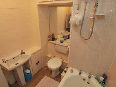 91 Gains Bathroom