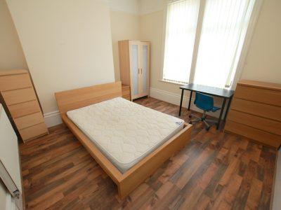 97 Aig Bedroom 2