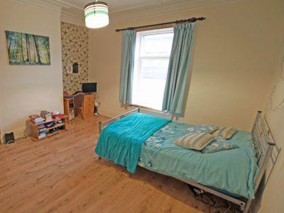 7 Gains Bedroom 3