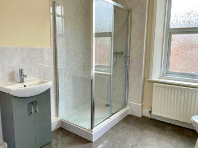 73 Dilston Bathroom