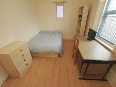87 Sid Bedroom 2