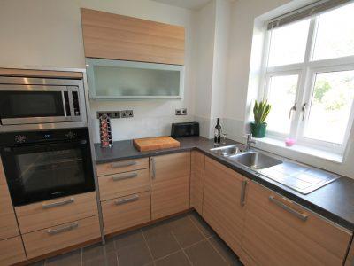 Ivyhurst Flat6 Kitchen