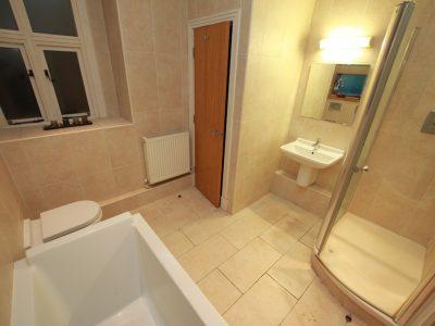 Ivyhurst Flat6 Bathroom