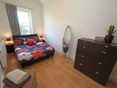 Ivyhurst Flat6 Bedroom 2